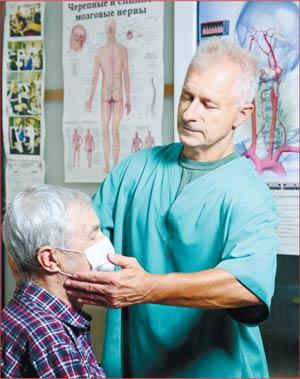 Олег Богданович САВЯК врач-вертебролог, нейрохирург, руководитель красноярской «Клиники вертебрологии»