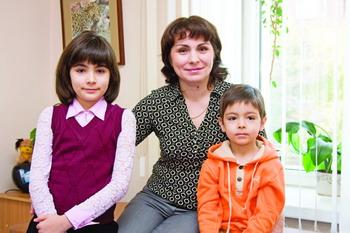 Марина Алексеевна БАЛЫШЕВА, бухгалтер АО «Сибирьтелеком». Сын Семён – 5 лет, дочь Елена – 11 лет.
