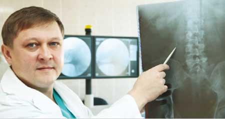 Лечение проводит зав. урологическим отделением, к.м.н., врач-уролог Александр Григорьевич БЕРЕЖНОЙ