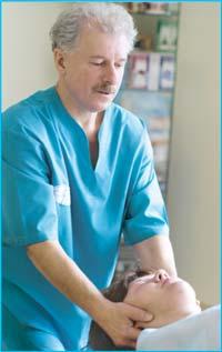 На приеме у директора Клиники вертебрологии, доктора Савяка