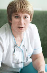 Ольга Константиновна ШМАНДИНА - ведущий специалист ЦКЗ «ОКУЛЮС» по направлению катарактальной хирургии, врач-офтальмолог высшей категории.