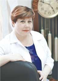 Галина Ивановна ПОПКОВА, заведующая аптекой № 1 ГПКК «Губернские аптеки»